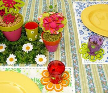 D coration de table de printemps fleurie trucs et deco - Decoration table printemps ...