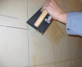 Poser joint carrelage douche for Faire joints de carrelage
