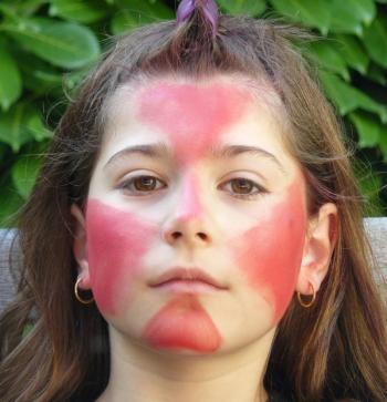 Visage rouge - Maquillage diablesse halloween ...